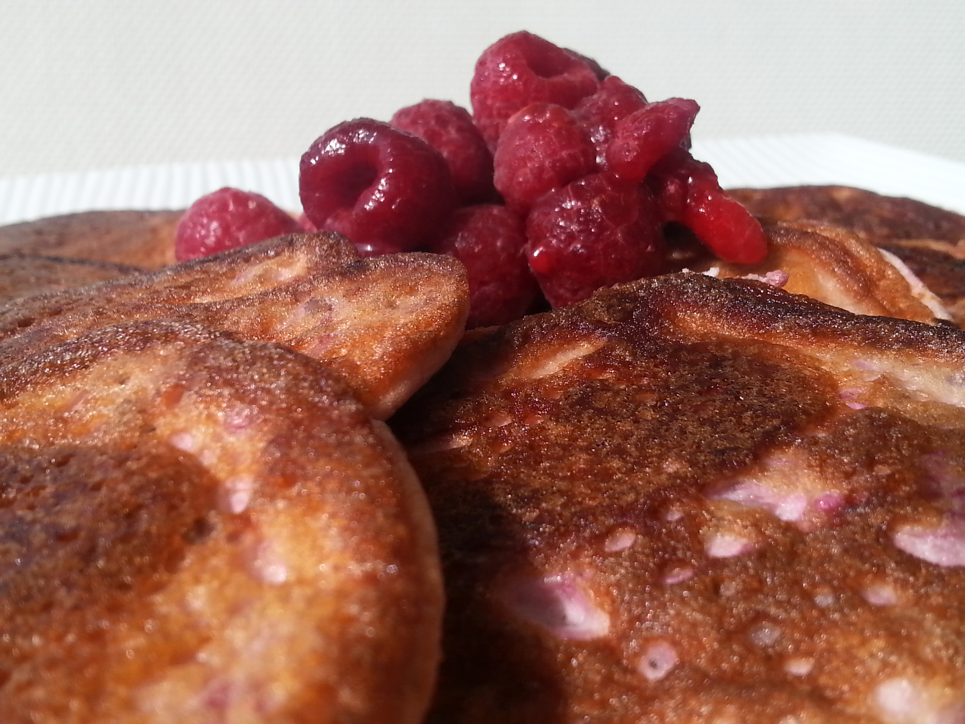 Clean Protein Pancakes - Easy, yummy and super nutritious!